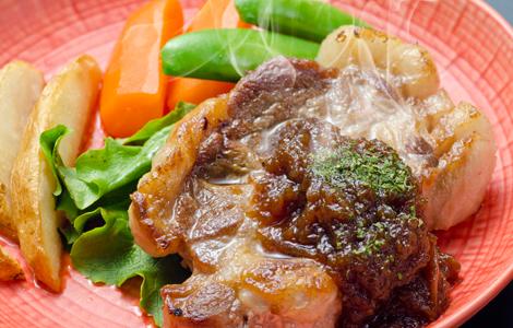 六白黒豚のステーキ